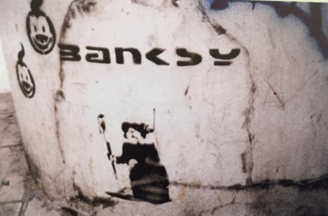 https://banksyunofficialdotcom.files.wordpress.com/2017/04/1999-sa-uk-bristol-rat-painting-banksytag-hsh-p27.jpg?w=1200&h=