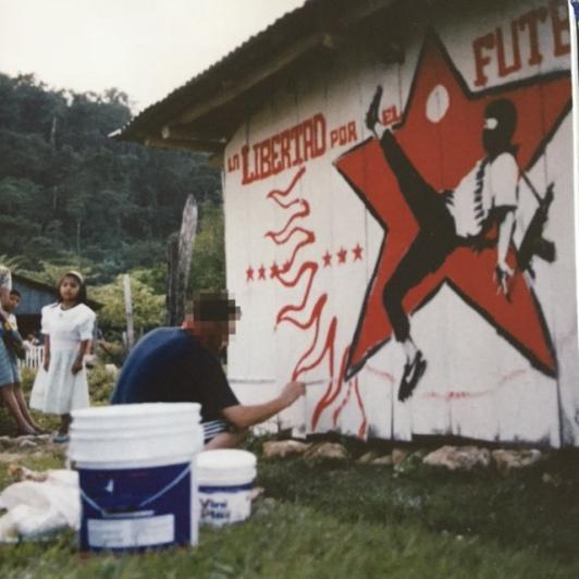 2001 – SA – Mexico – Chiapas – En libertad por el futbol – HSH p77 – Banksy  unofficial