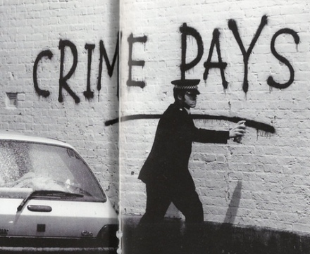 2001 - SA - UK - London - Hackney - Crime pays - BYHABW p16