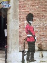 2002 - SA - UK - London - Borough - Royal guard peeing on wall - Wall and piece p37