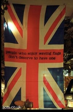 2003:12 - Original - Santas Ghetto 2003 - Brittish flag - artofthestate