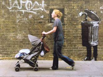 2005 - SA - UK - London - Brick lane - Periscope - Wall and piece p83