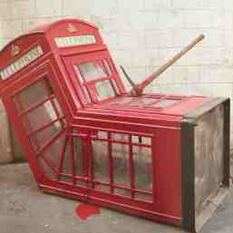2006 - SA - UK - London - Sculpture - Vandalised phoone booth - Wall and piece p212