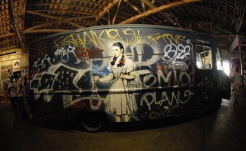 2006:09:16 - Original - Barely Legal - Painted van w girl from Oz - Chad Nicholson Flickr