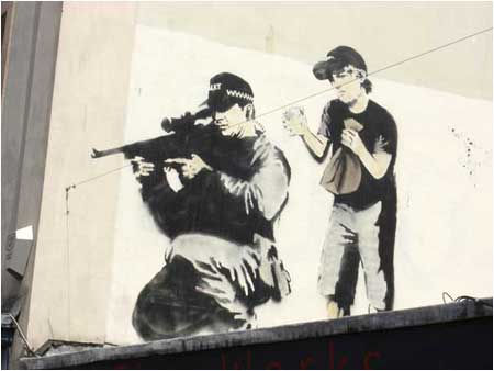 2007:10 - Bristol - Sniper and boy - Banksyweb