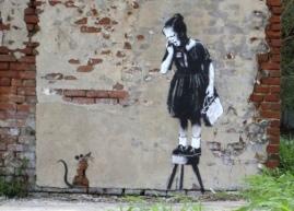 2008:8 - SA - New Orleans - Girl frightened w rat (nola.com)