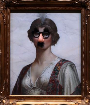 2009:7 - Original - Oil - BvBM - Lady with a comic nose - source unknown