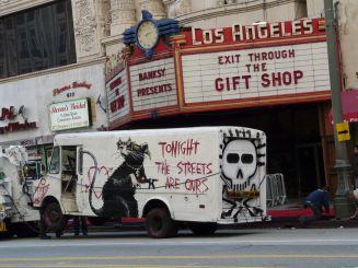 2010:4 - Los Angeles -Rat on van - Arrested Motion