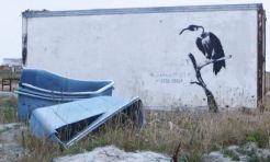 2010:8:31 - UK - Vulture w gashandle - Arrested Motion