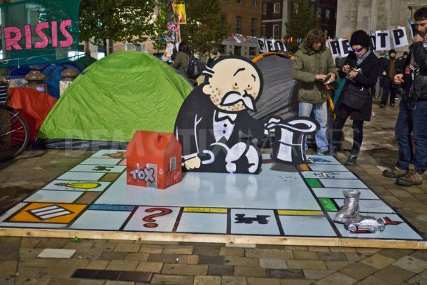 2011:10:25 - London - SA:Instalation - Occupy London - Arrested Motion.jpg