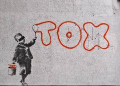 2011:6:22 - London - Tribute Tox - Arrested Motion