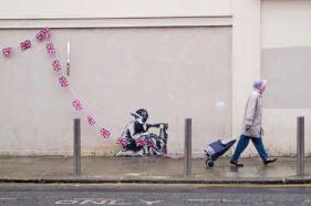2012:5:14 - London - Boy w flags - Banksyweb