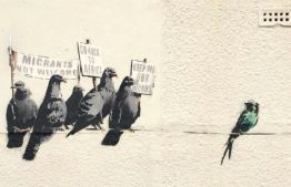 2014:10:2 - Clacton on the Sea - Protesting Birds - Banksyweb
