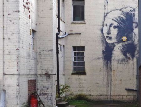 2014:10:21 - Bristol - The Girl with the pierced eardrum - banksyweb