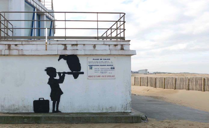 2015:12:13 - Calais - Girl - banksyweb