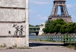 20180626 - SA - France - Paris - Rat couple w Eifel Tower - Banksys Instagram